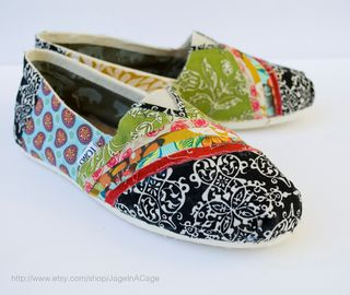 Tom's fabric shoes