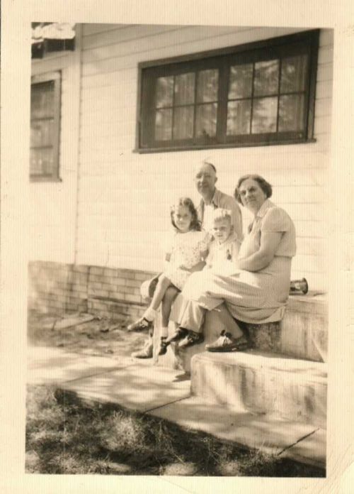 Kathy, Dean, Gpa Dean and Gma Tillie 1948